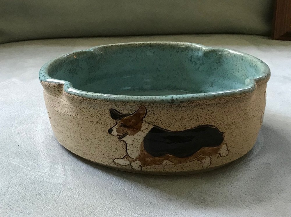 Casserole bowl backside